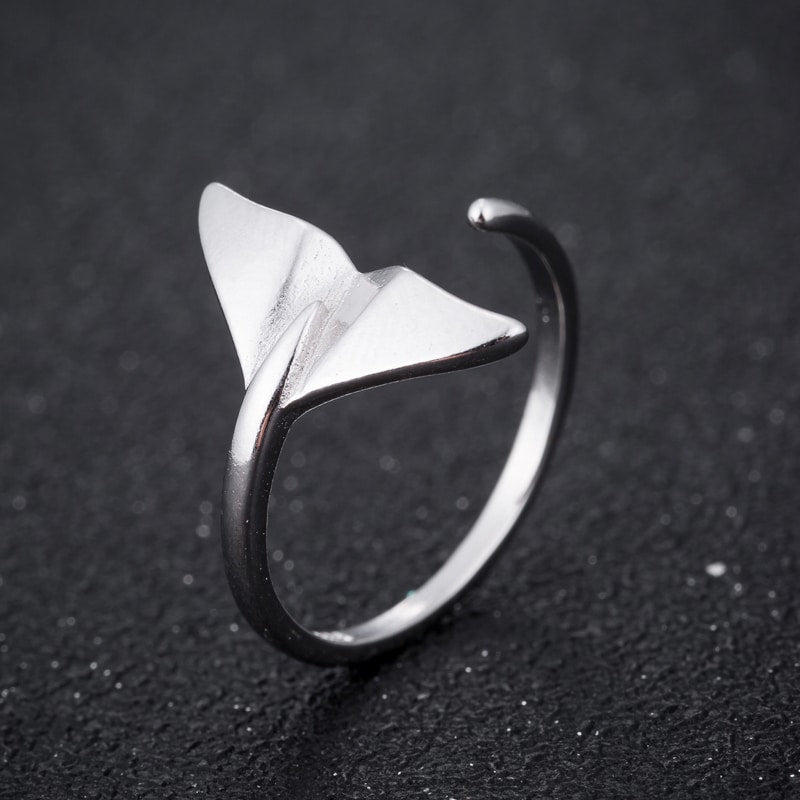 Sterling Silver Whale Tail Ring.