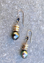 Load image into Gallery viewer, Black Pearl Drop Earring