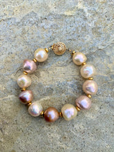 Load image into Gallery viewer, Lustre Pearl Bracelet