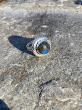 Load image into Gallery viewer, Corona Labradorite Ring