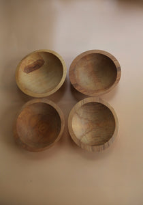 4 Wood Bowls with beautiful different Grains