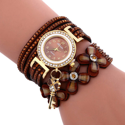 Accent Leather Bracelet Wristwatch