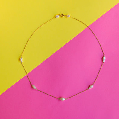 Flavia pearls necklace