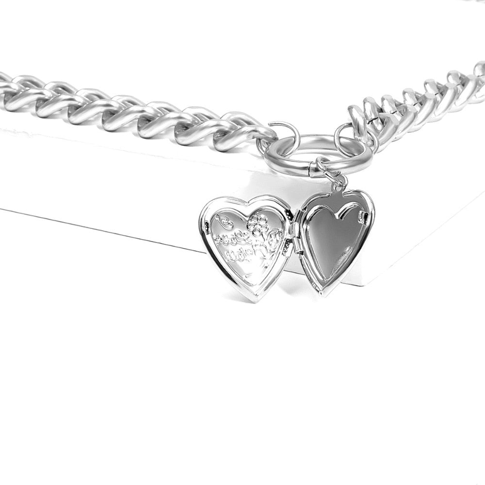 Metal Heart Choker