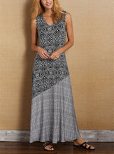 Load image into Gallery viewer, New Bohemian Holiday Dress Sleeveless Stitching Printed Dress