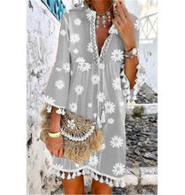 Load image into Gallery viewer, Summer New Style Printed Daisy Ruffled Fringed V-neck Dress