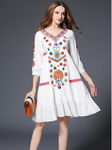 Sweet Floral Embroidery 3/4 Sleeve V Neck Midi Dress