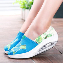 Load image into Gallery viewer, Pattern Color Blocking Canvas Platform Rocker Sole Shake Shoes
