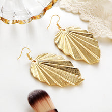 Load image into Gallery viewer, Leaf pattern Pendant Earrings for women exaggerated style simple alloy earrings for Xmas party