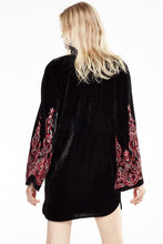 Load image into Gallery viewer, Velvet speaker sleeves exquisite embroidery black lace dress