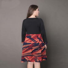 Load image into Gallery viewer, Large size women s new dress printed V-neck pleated pleated skirt