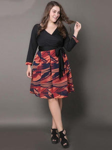 Large size women s new dress printed V-neck pleated pleated skirt