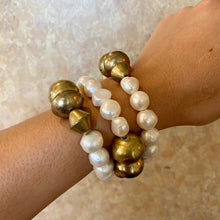 Load image into Gallery viewer, Earthyluxe Brass & Pearl Cuff
