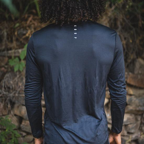 Men's long sleeved t-shirt base layer black back