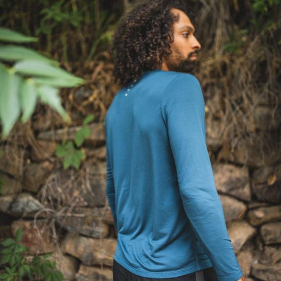 Men's long sleeved t-shirt base layer blue back