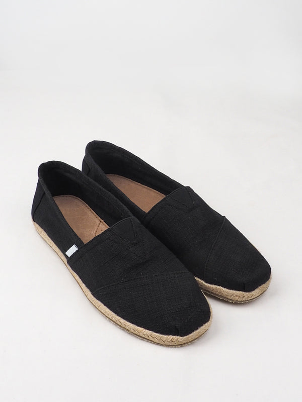 Women's Black Fine Low Cut Casual Shoes