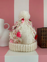 Claudia hat white pink beading