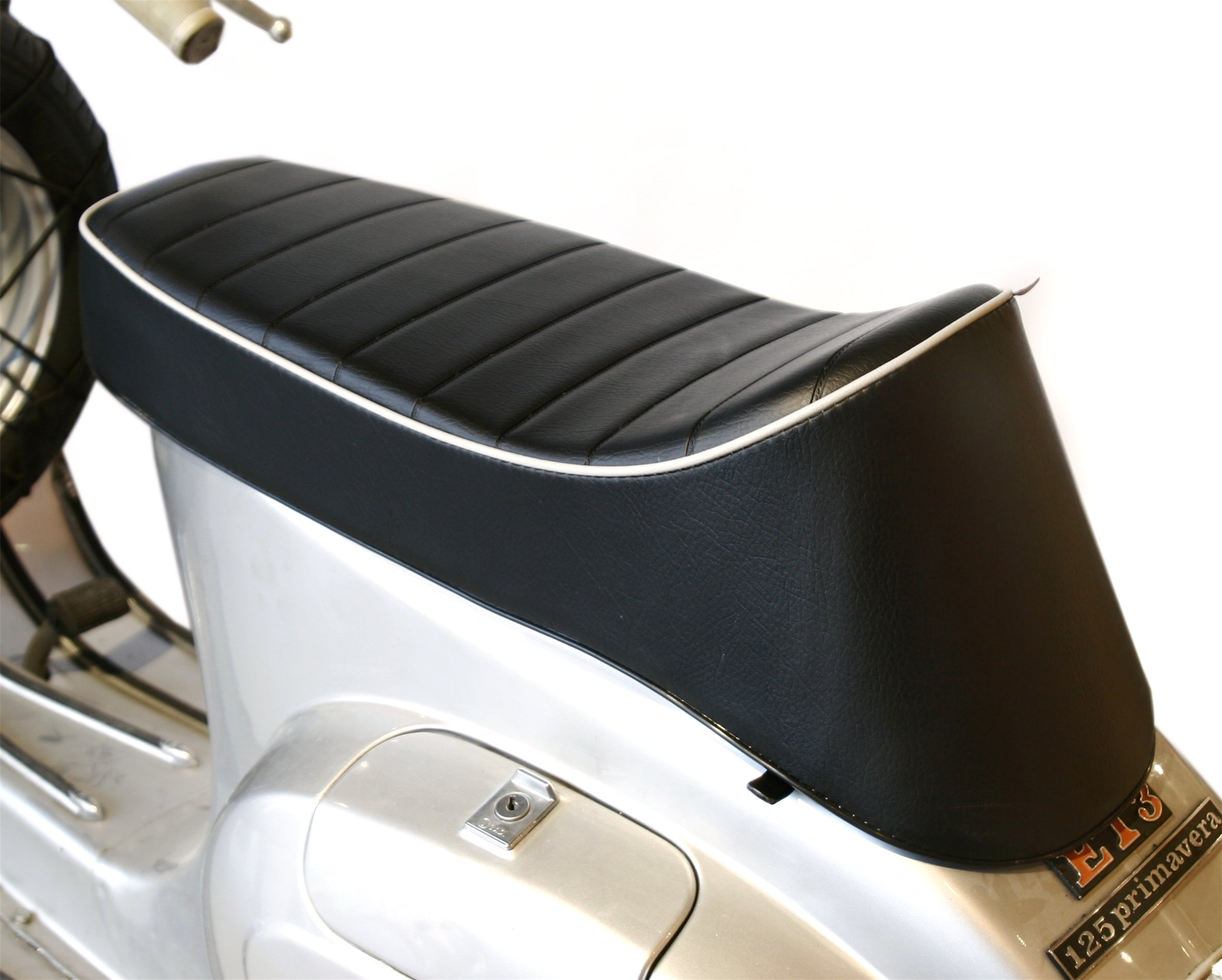 SIP Longtail Sport Seat in Black - Vespa Smallframe
