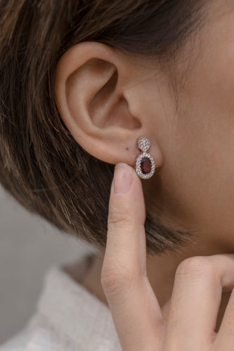 EARRINGS W/ 2 OVAL GARNET & 56 DIAS