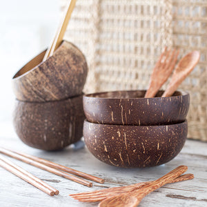 Seagrass bag and coconut bowls
