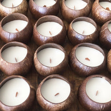 Load image into Gallery viewer, Buy coconut candles wholesale