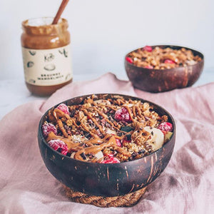 Smoothie in your coconut bowls