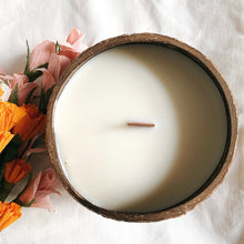 Load image into Gallery viewer, Vanilla Coconut Candle