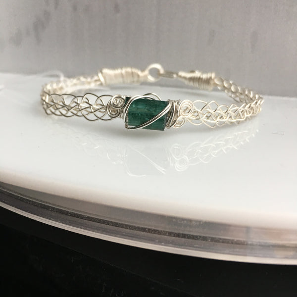 Green Tourmaline 2.70 carat kumihimo wire wrapped bracelet