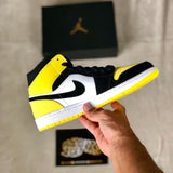 Air Jordan 1 Mid SE - Yellow Toe