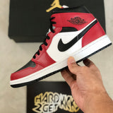 Air Jordan 1 Mid - Chicago Black Toe