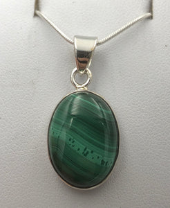 Oval Malachite Silver Pendant |Earthfound.co.uk