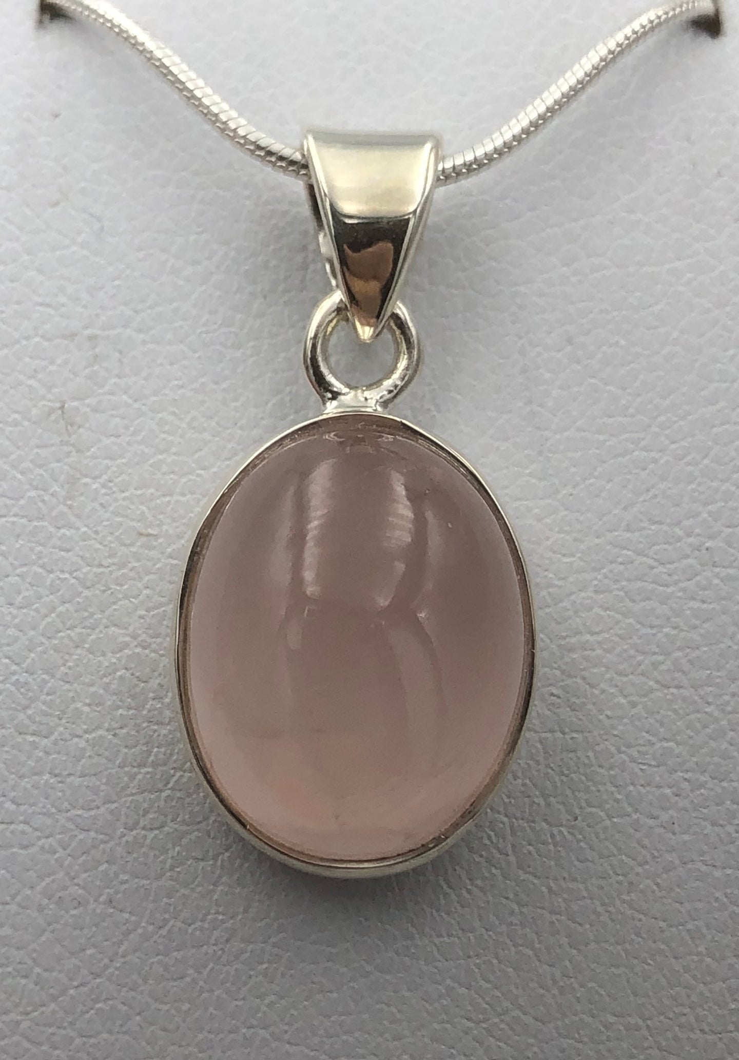 Oval Rose Quartz Silver Pendant | Earthfound.co.uk