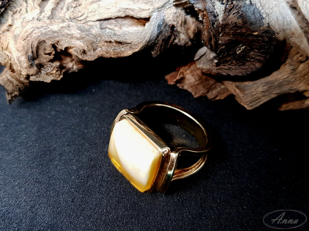 Amber men's signet ring