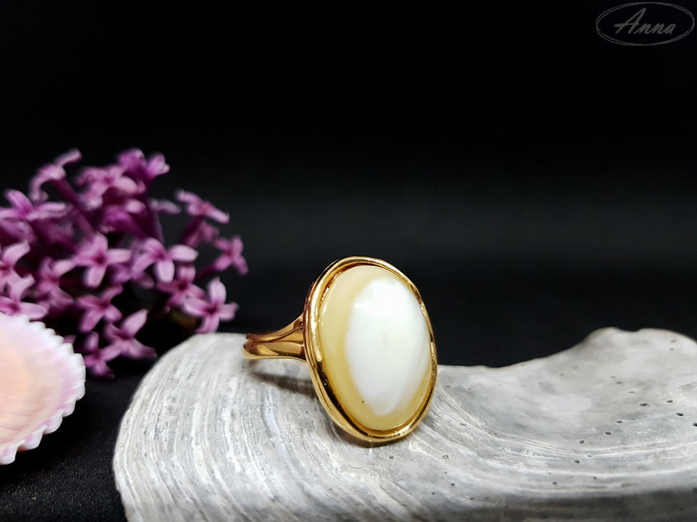 Pastel yellow amber ring