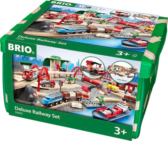 BRIO DELUXE RAILWAY SET 87 PC