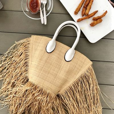 BB   Fashion Tassel Woven Straw Bag