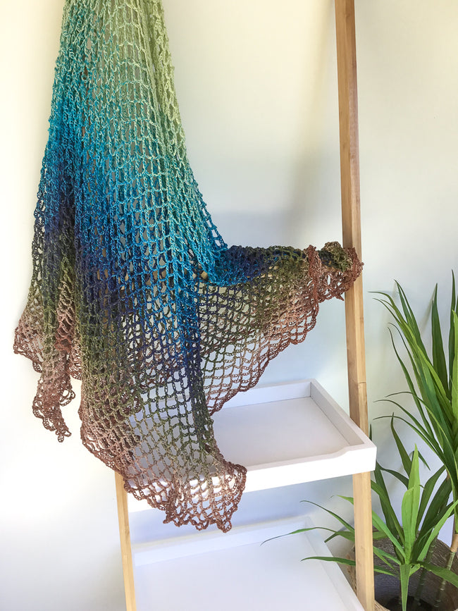 Free Crochet Shawl Tutorial in Issue 06