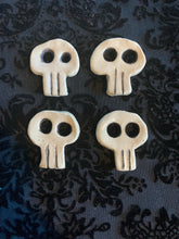 Load image into Gallery viewer, Ceramic Skull Buttons