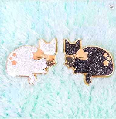Glittery star cat hard enamel pin