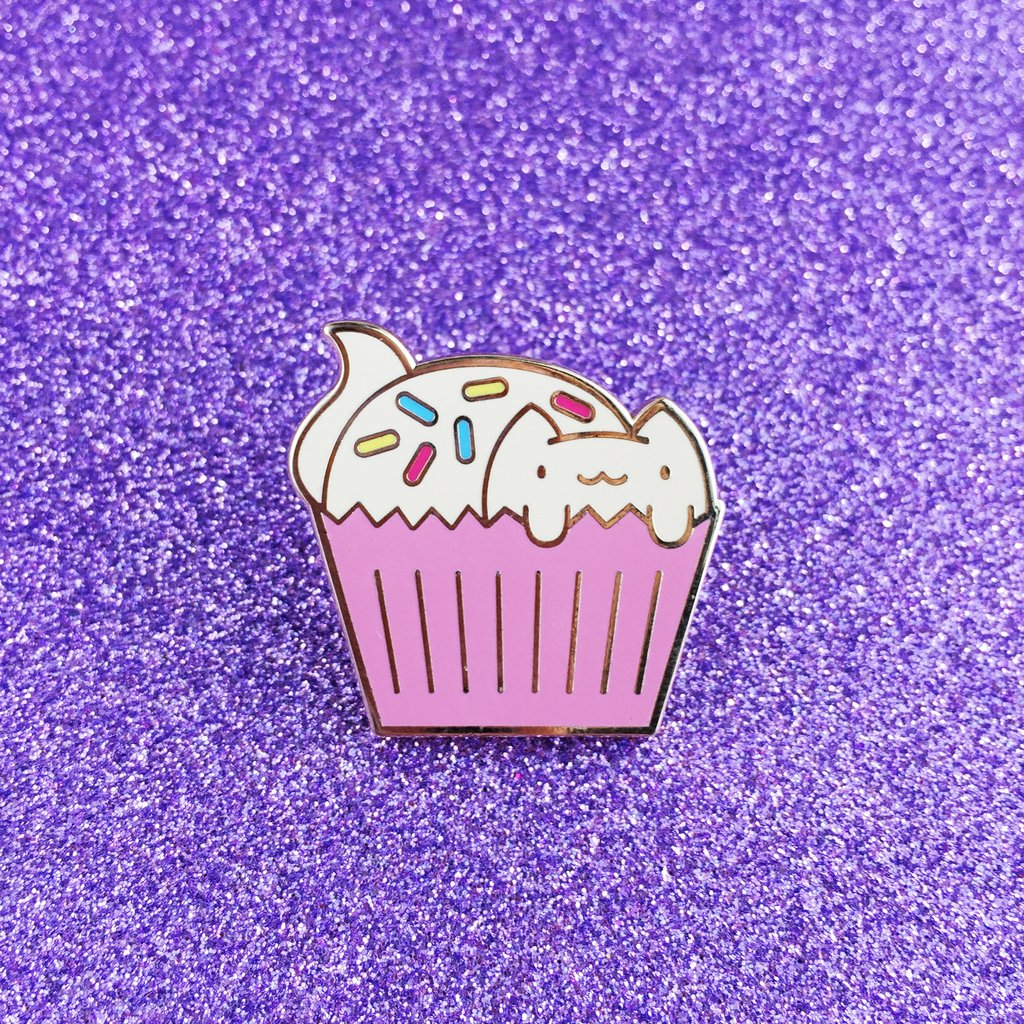 CATCAKE WITH SPRINKLES LAPEL PIN