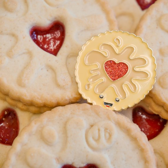 Jammy Dodger Biscuit enamel pin badge - Jammie pin padge