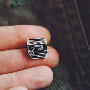 Camera lens pin - 50mm lens pin - Camera enamel pin