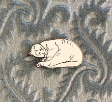 Load image into Gallery viewer, Sleepy cat pin