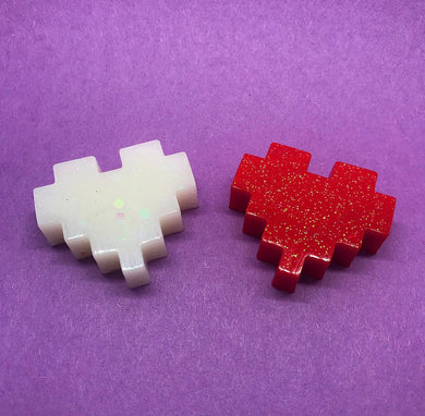 8 Bit Heart Resin Pin