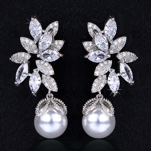 Cathy Pearl Earrings