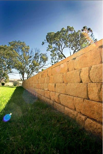 Adbri Masonry Meadow Stone Set of Three Retaining Wall Blocks