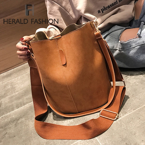 Women Solid Pattern Over the Shoulder Bag Big capacity Capacious Bag Retro Elegant Shopping Bags PU Leather Bucket Handbag
