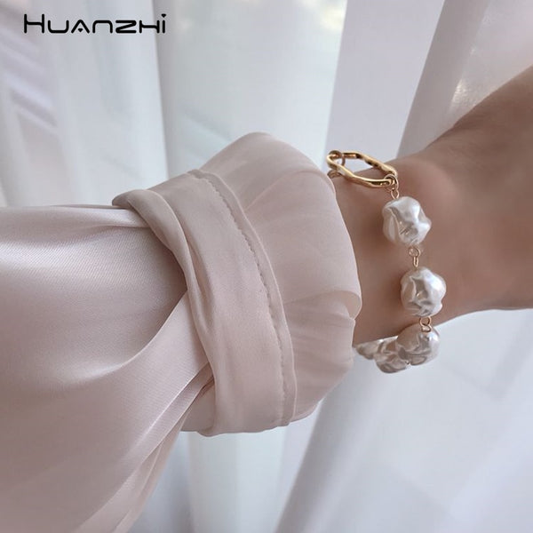 HUANZHI 2020 New Baroque Irregular Imitation Pearls Gold Metal Link Chain Bracelets for Women Girl Summer Party Jewelry