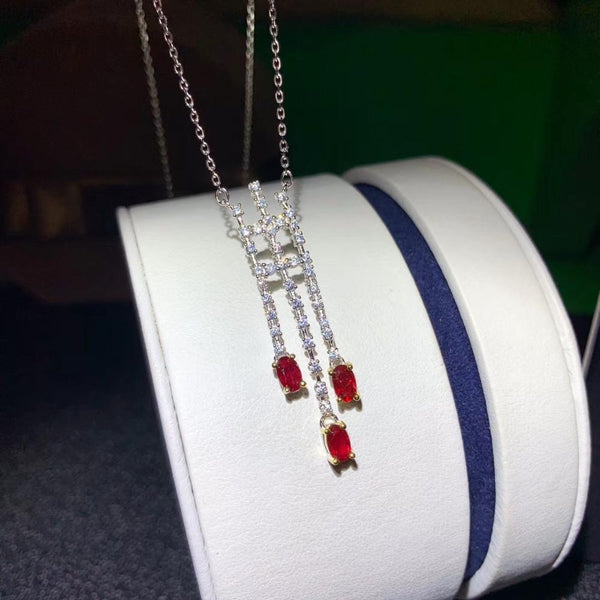 Super beautiful ruby necklace. Bright colors. Pigeon blood red, 925 pure silver. Inclusion certificate
