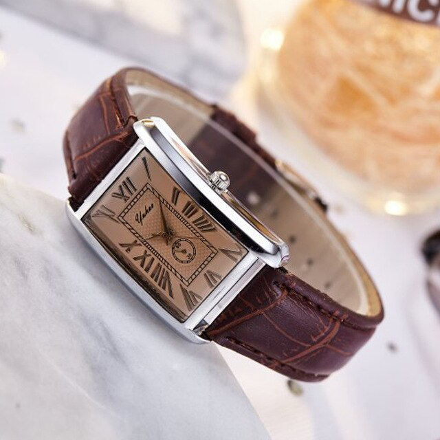 Fashion square couple watch Roman numerals simple style new couple watch men and women casual leather strap quartz watch couple
